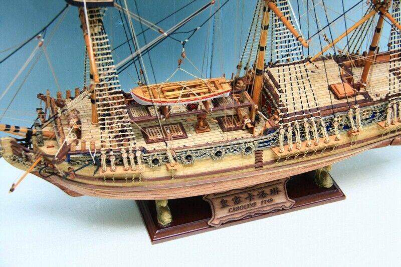 HMS Royal biloline 1749 skala 1  50 33''Skalmodellllerl för träfkonstyg