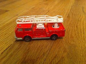 Vintage-Red-Emergency-Vehicle-Fire-Engine-Majorette-Pompier-ech-1-100-No-207-Red