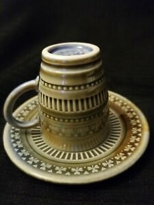 Vintage-Wade-Irish-Porcelain-Demitasse-Tea-Cup-Saucer-Shamrock-St-Patrick-Armagh