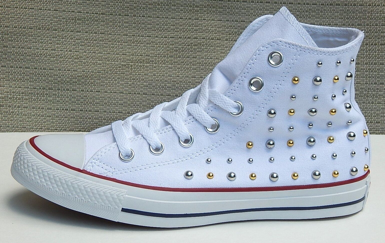 CONVERSE ALL STAR CHUCK TAYLOR WOMEN'S SNEAKERS WEISS WITH STUDS sz 8 NEW AUTHNT