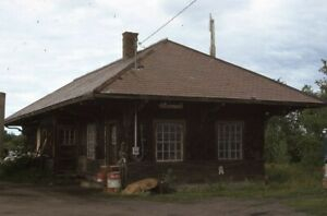 Unidentified-Railroad-Train-Station-Depot-Original-1971-Photo-Slide