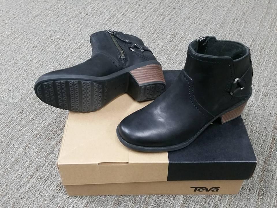 NIB Teva Women's Foxy Ankle Leather Heeled Bootie Black Size 6