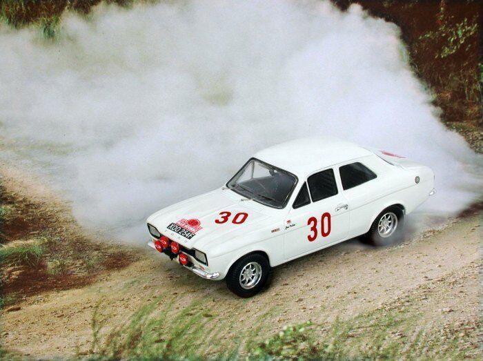 TROFFORD ESCORT 1600 model rally cars Mikkola  Clark Makinen 1 43