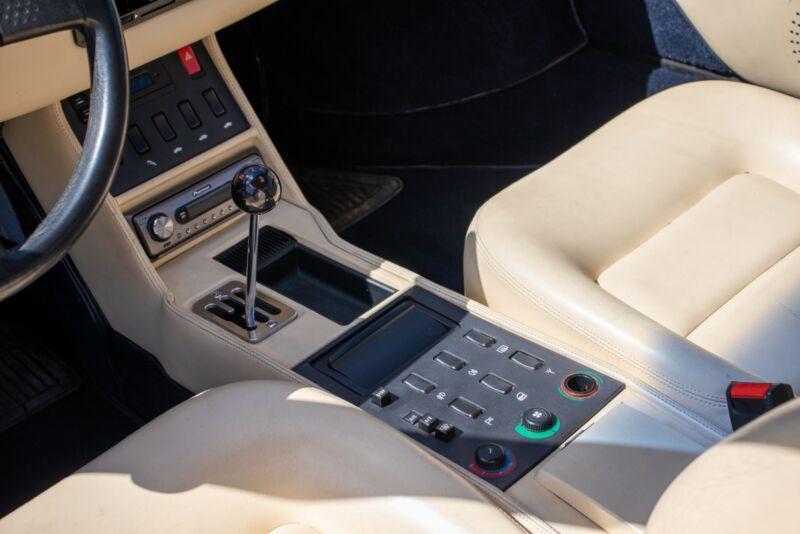 Ferrari Mondial t - 13