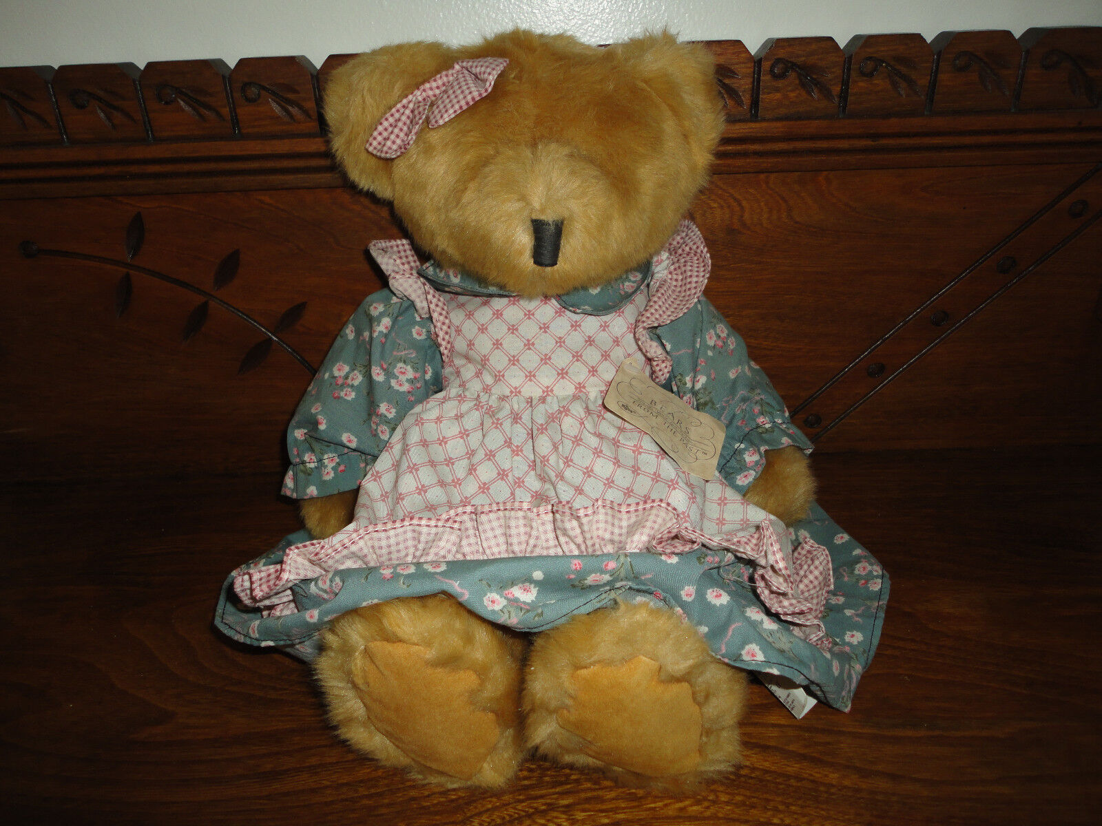 Russ Berrie Mulberry Girl Bears From Past 14 inch  All Tags Retirosso Nuovo