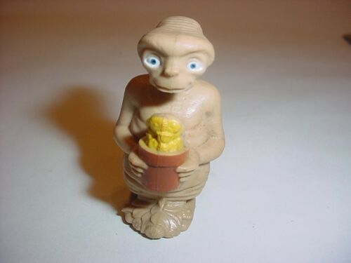 E.T THE EXTRATERRESTRIAL FIGURE PVC RUBBER 1982 LJN TOY Holding Flower in Pot