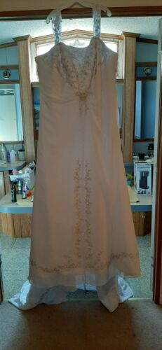 Wedding dresses plus size 30