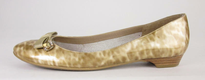Authentic STUART WEITZMAN Gold Animal Patterned Flats Shoes 8