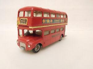 ESF-05451-Corgi-Routemaster-London-Bus-mit-Gebrauchsspuren-Farbschaeden