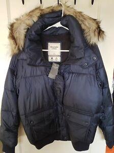Détails sur Neuf avec étiquettes Abercrombie & Fitch Gilet bordée de fausse fourrure capuche veste taille L bleu marine afficher le titre d'origine