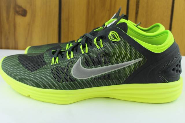 NIKE LUNARHYPERWORKOUT XT+ WOMAN SIZE 8.0 COMFORT STYLE FASHIONABLE Comfortable and good-looking