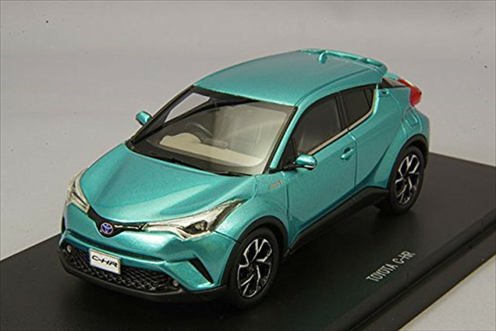 Ebbro 1/43 Toyota C-hr radiante verde metálico Resina Modelo 45602 Nuevo