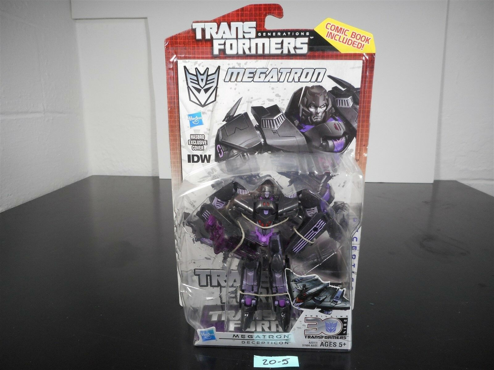NEW & SEALED   TRANSFORMERS GENERATIONS IDW MEGATRON DELUXE FIGURE 30TH ANN 20-5