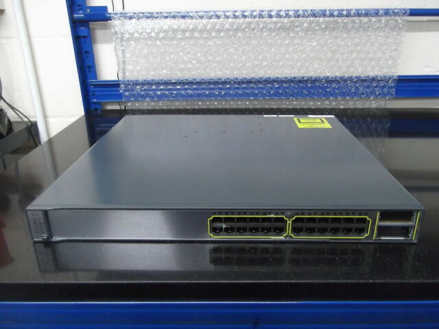 Cisco Catalyseur 3750E WS-C3750E-24TD-S 24 Port Gig Interrupteur + 2 X2 10 G