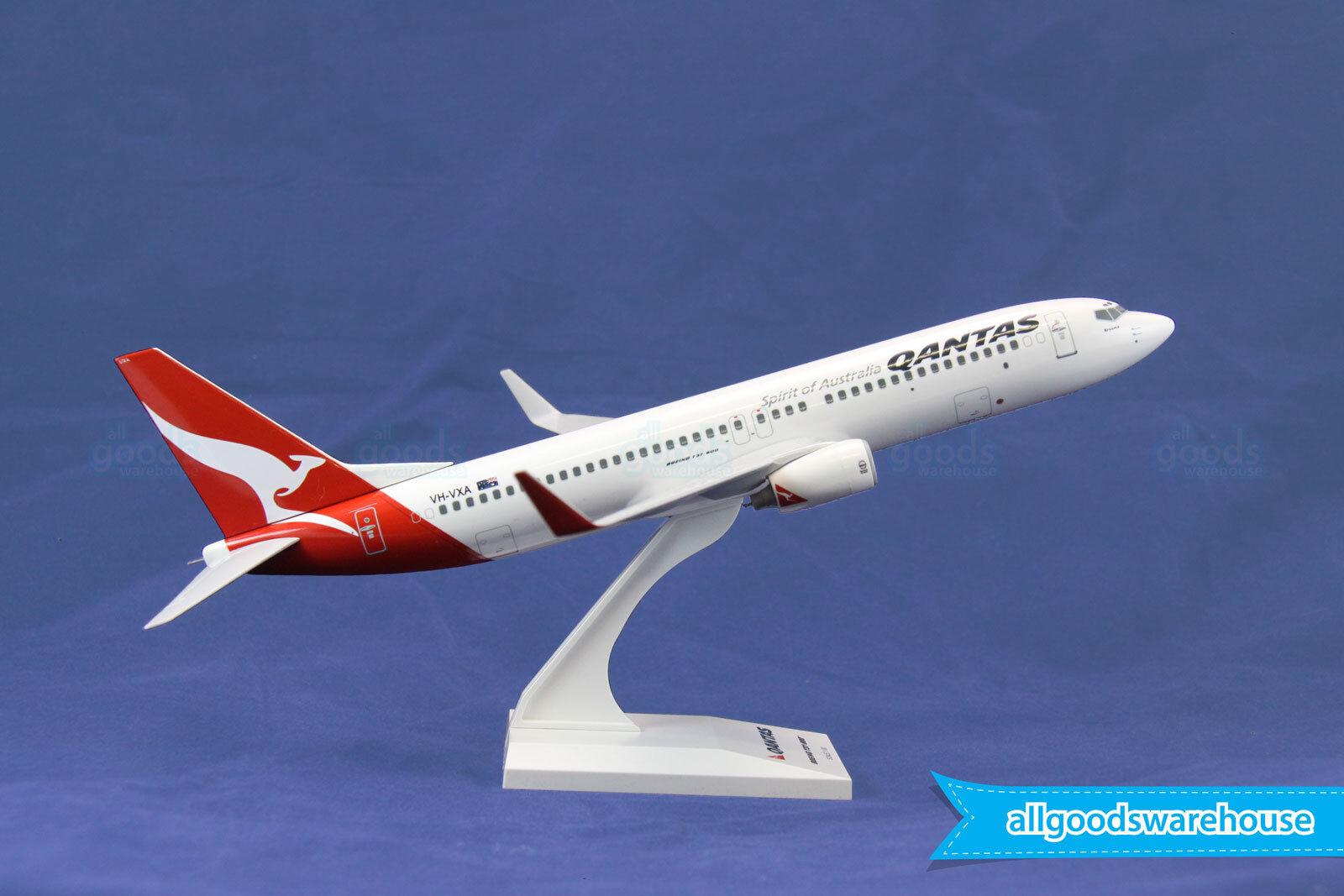Qantas Boeing 737-800 VH-VXA 1 130 scale solid plastic 737 model aircraft