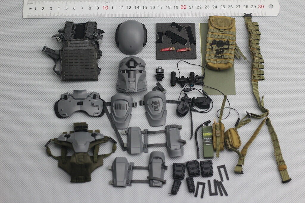 Helmet & Accessories  for verde Wolf Gear GWG008 Galac-TAC Urban Raider 1 6 Scale  in linea