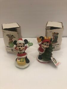 Disney-Giftware-Set-of-Two-Vintage-Mickey-And-Minnie-Mouse-Santa-Figurines-EUC