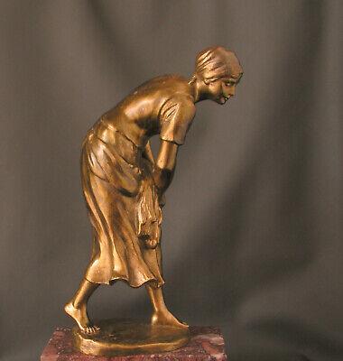Ehrlich Bronze: Bäuerin Bei Der Arbeit, Entwurf Rudolf Kaesbach, Signiert, Um 1900