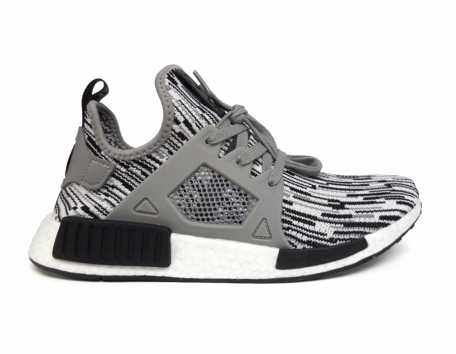 Adidas Men's ORIGINALS NMD_XR1 PK PRIMEKNIT Running Shoes Black/White BY1910 b