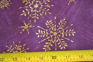 By-1-2-Yd-Metallic-Gold-Snowflakes-on-Purples-Quilting-Cotton-N431