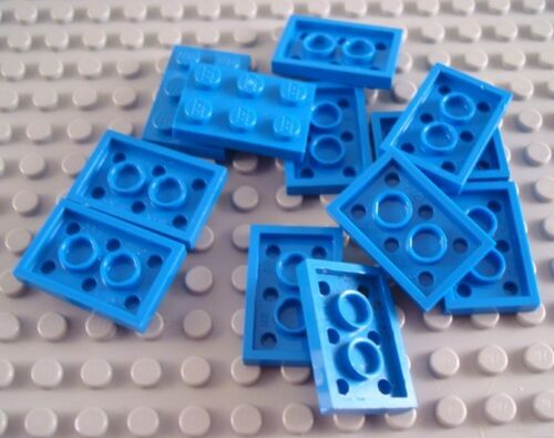 LEGO Lot of 12 Blue 2x3 Flat Plate Pieces
