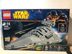 LEGO-75055-STAR-WARS-Imperial-Star-Destroyer-In-excellent-condition