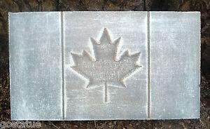 plastic-maple-leaf-plaque-mold-garden-ornament-stepping-stone-plaster-concrete