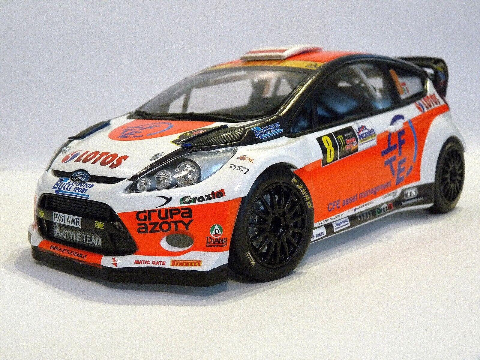 Escala 1 18 Robert Kubica Monza Rally Show 2014 código 3 Modelo Ford Fiesta WRC