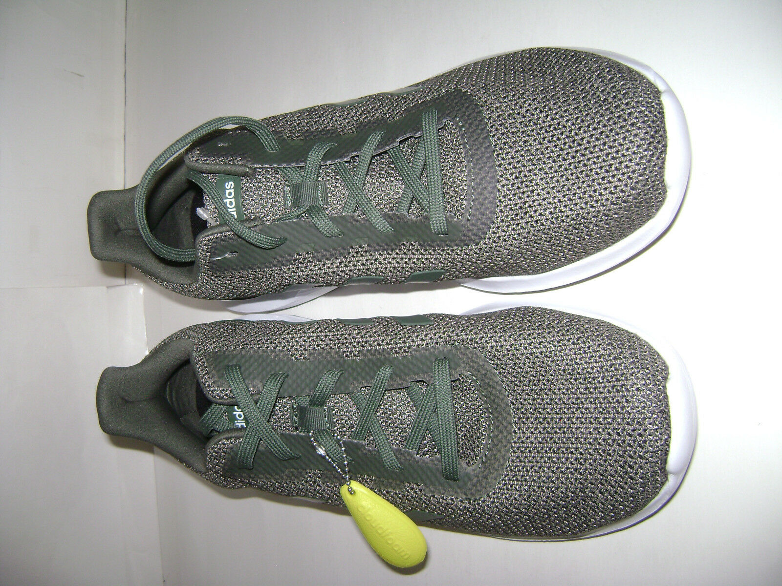 NIB adidas cloudfoam cloudfoam cloudfoam Men COSMIC 2 Running Sneakers shoes Sz 10.5 Green B44733 a12a31
