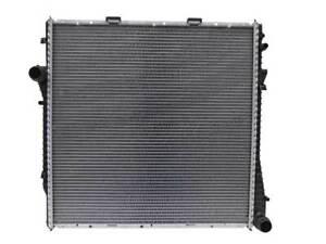 MAHLE Behr CR 327 000P Radiator