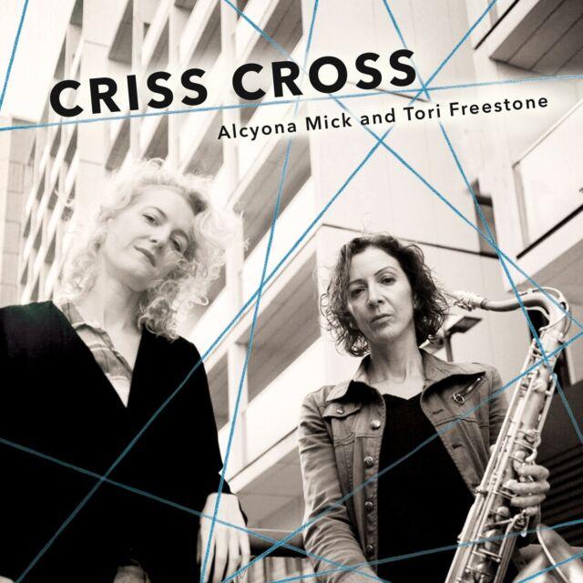Alcyona Mick - Criss Cross