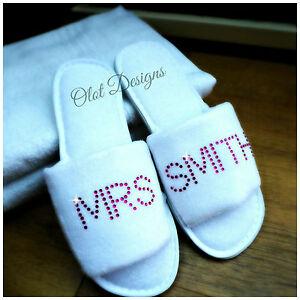 Zapatillas Blanco Personalizado Diamante Boda Spa invitado Zapato De Felpa De Rosa Negrita