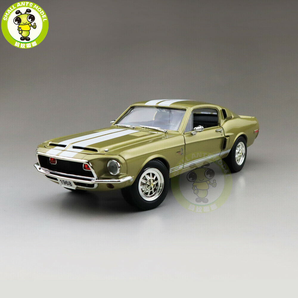1 18 1968 Ford Shelby Mustang GT-500KR strada Signature Diecast modello auto giocattoli
