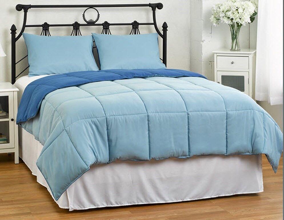 3 Pc Comforter Set Down Alternative  Dk Blau & Lt Blau  King 102 x 90 NEW