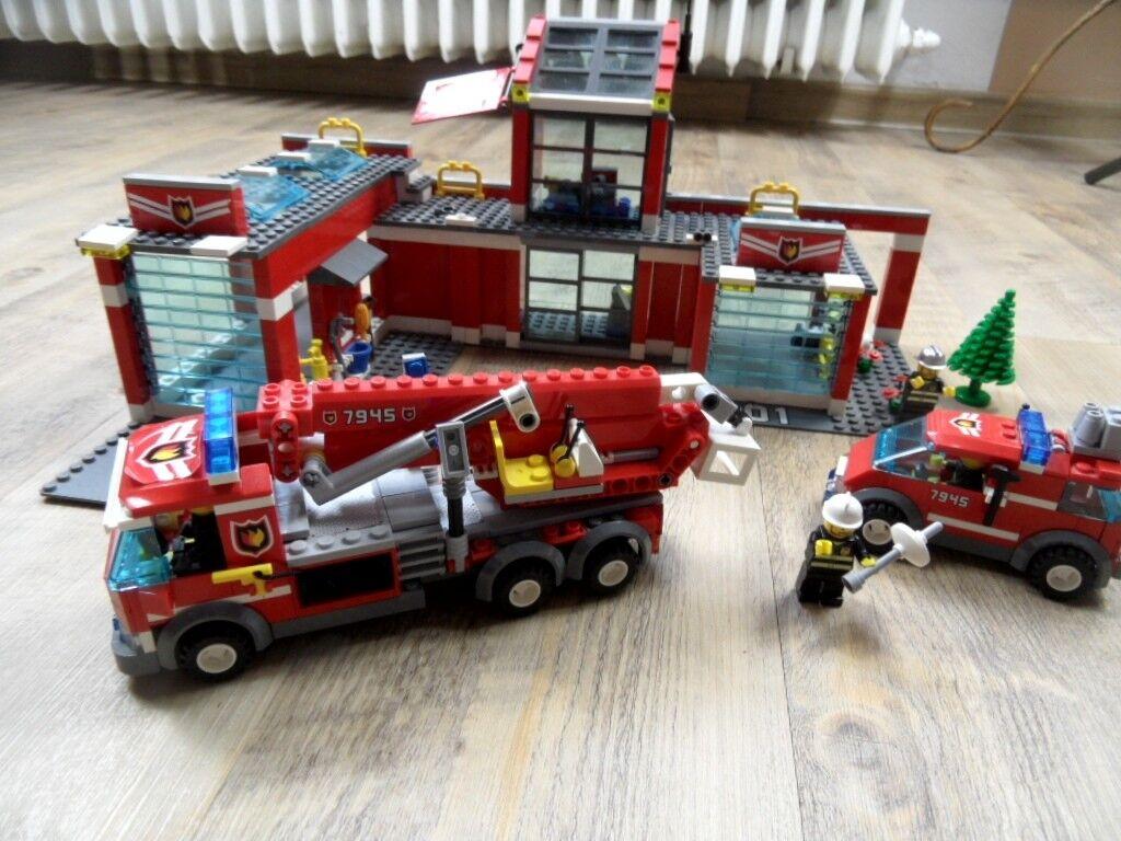LEGO City Feuwerwehr 7945 Hauptquartier m. Fahrzeugen m. Anleitungen TOP SoK1217
