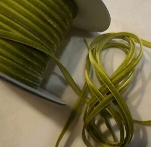 1-8-034-RAYON-VELVET-RIBBON-MADE-IN-JAPAN-CHARTREUSE-GREEN-DOLLS-JEWELRY