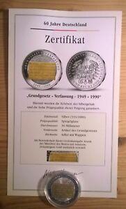 Silber-Gedenkmuenze-60-Jahre-Deutschland-Grundgesetz-Verfassung-veredelt-mit-Gold