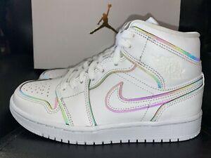 Detalles acerca de Para mujer Nike Air Jordan 1 Mid se Iridiscente  Reflectante 6.5 7 11 Blanco CK6587-100- mostrar título original