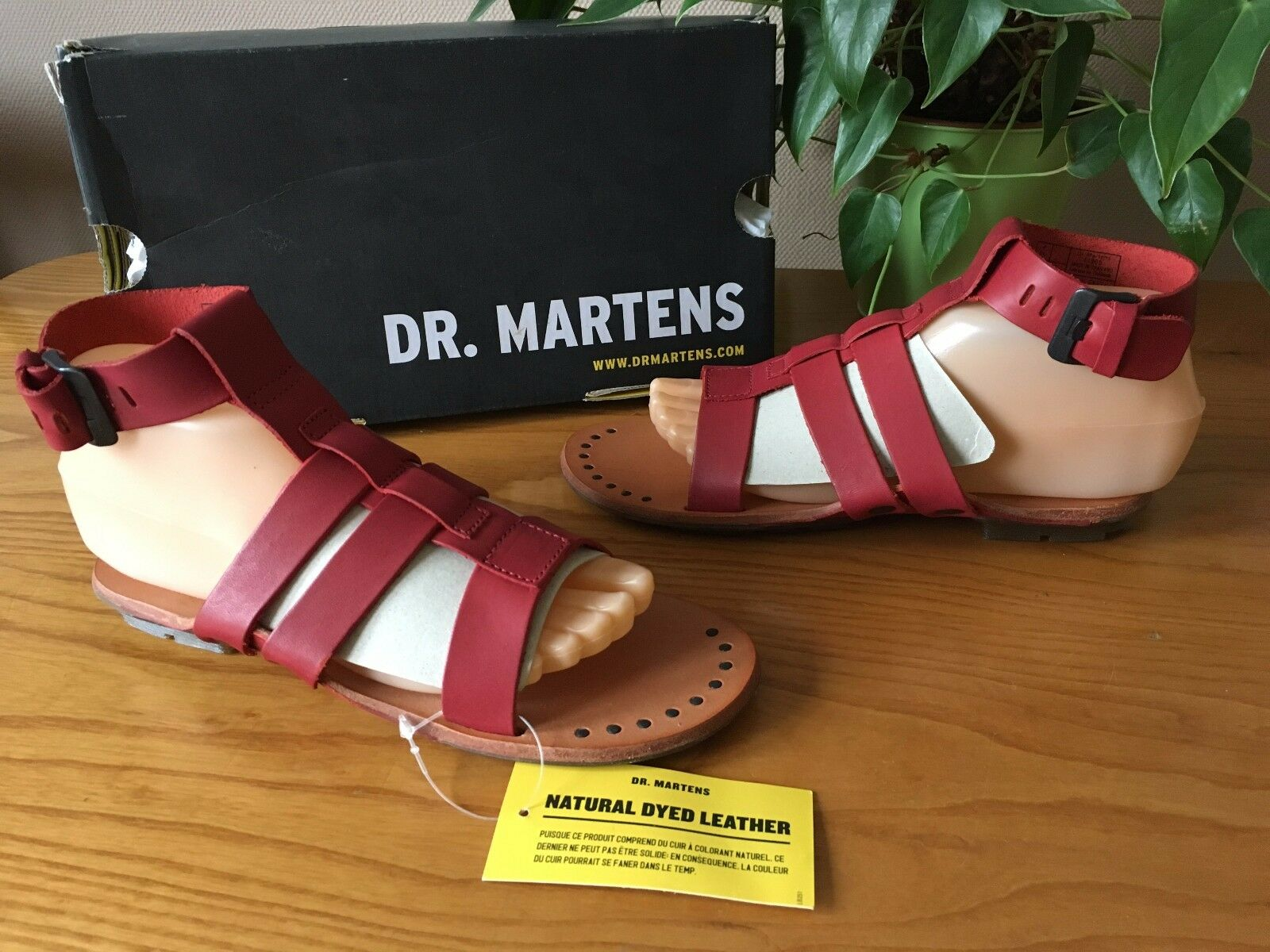 Señoras DR. Martens Bodi Gladiador Con Tiras Sandalias De Cuero Rojo BNWB
