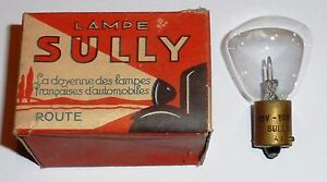 Ampoule-de-phare-Sully-12-volts-50-watts-a-culot-B15-2-ergots-annees-35-50-RARE