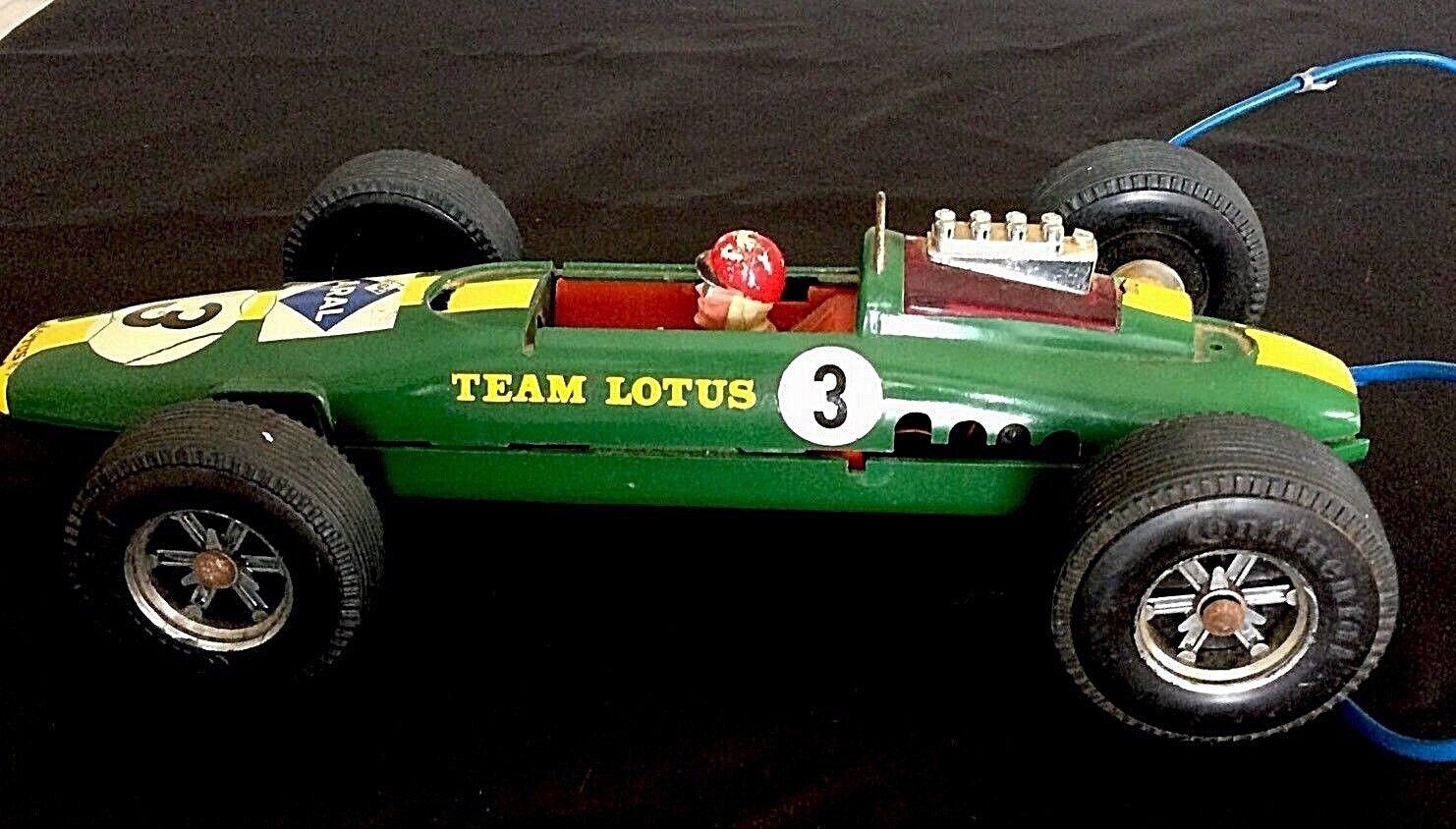 LOTUS F1 TEAM ARAL VOITURE TÉLÉGUIDÉE par GAMA  Lotus F1 Gama model car