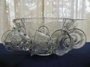 Indiana-Glass-Clear-Princess-Harvest-Grape-26-piece-Punch-Bowl-amp-Cup-Set