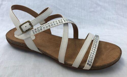 Entièrement neuf dans sa boîte Clarks Femmes Automne la paix en Cuir Blanc Sandales Plates