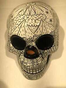 Talavera-Sugar-Skull-Black-amp-White-Glazed-4-Mexican-Pottery-Day-of-the-Dead