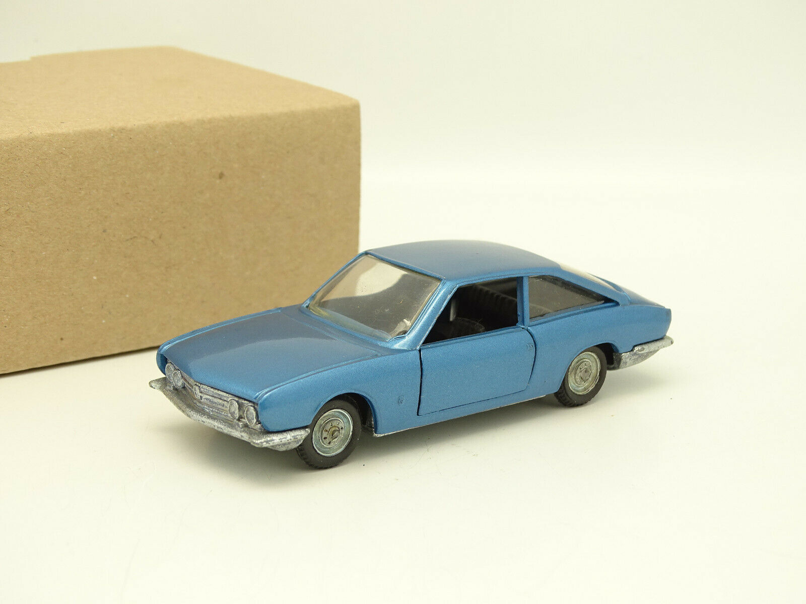 Politoys 1 43 Ghia ISUZU 117 Sport Light bluee
