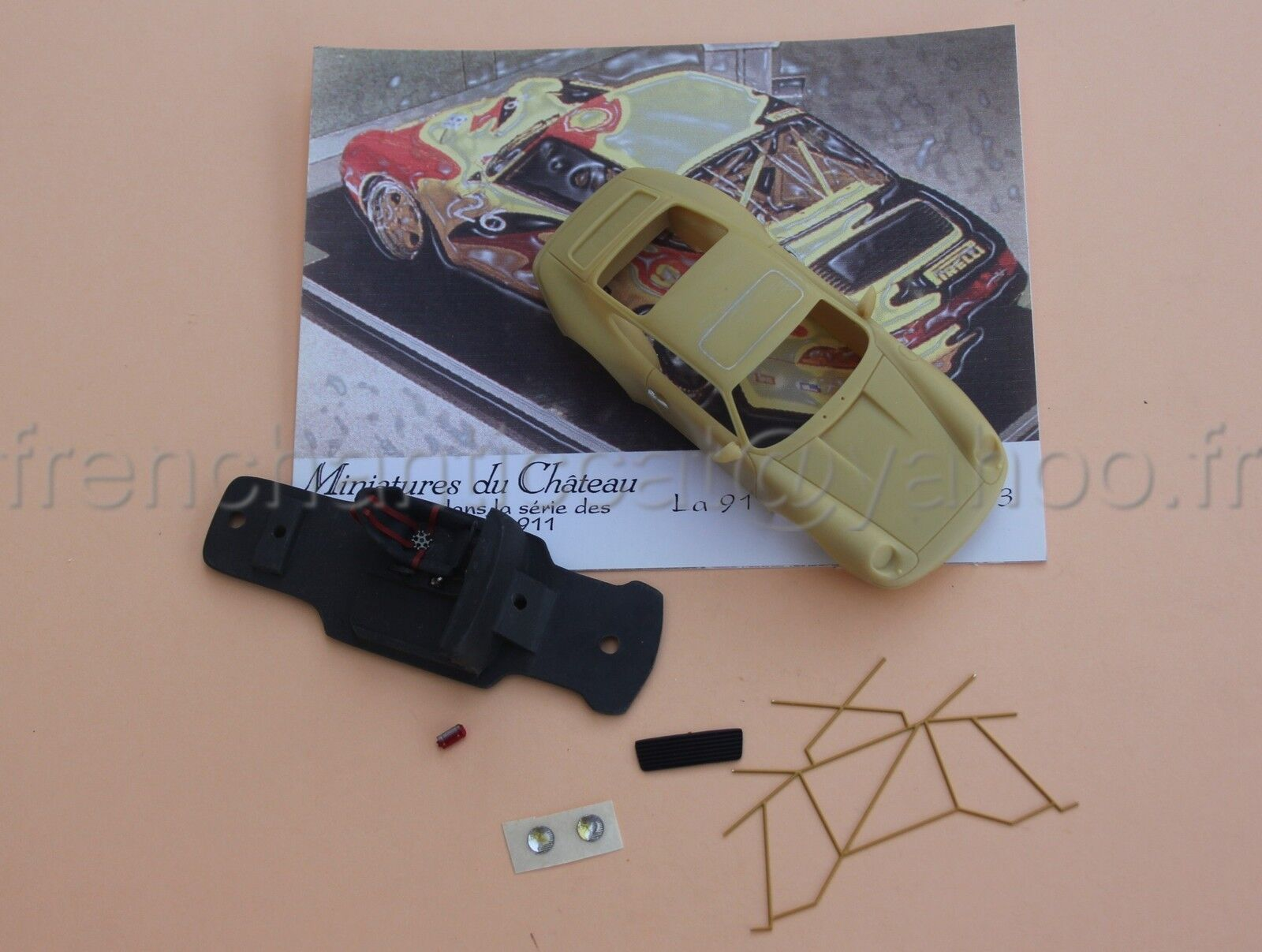 CR' Voiture PORSCHE 911 super Cup 1993 1 43 Heco miniatures Chateau