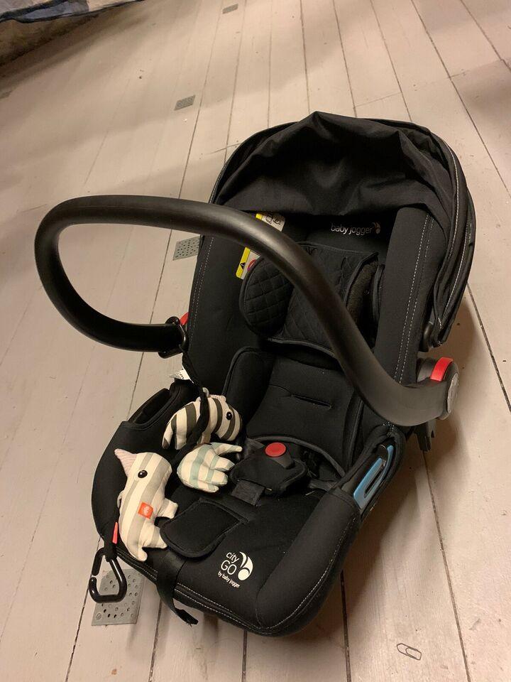 Autostol, op til 13 kg , andet mærke Baby Jogger