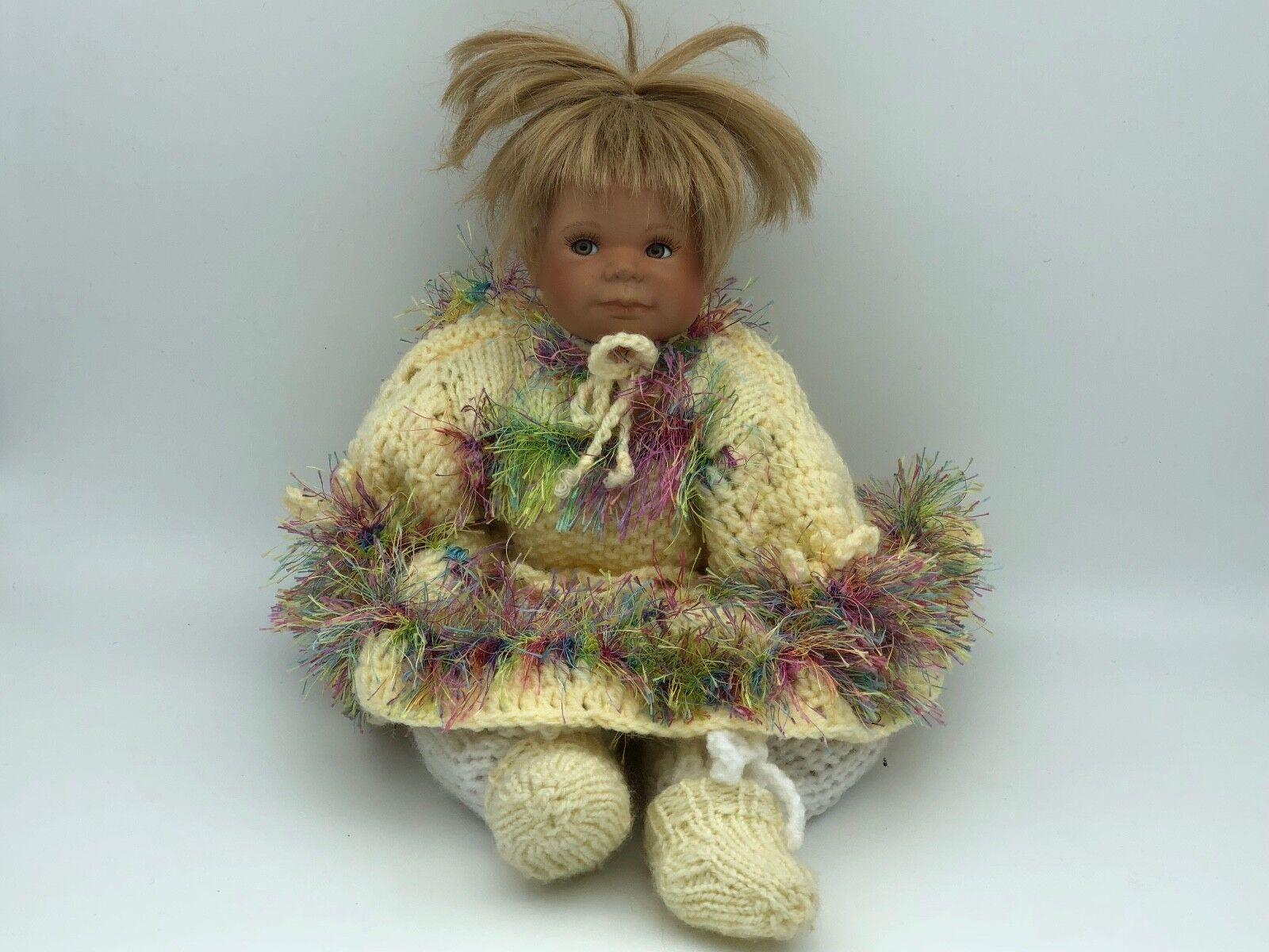 Künstlerpuppe Porzellan Puppe 33 cm. Top Zustand