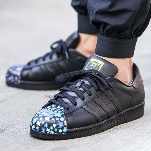Zapatos promocionales para hombres y mujeres Adidas Originals Superstar Pharrell Williams Trainers Shoes -S83352