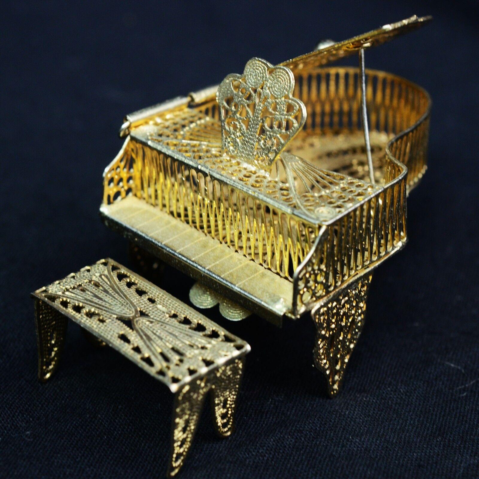 Vintage FILIGREE DOLLHOUSE PIANO, MINIATURE VERY ORNATE ORNATE ORNATE & BEAUTIFUL 3f3399